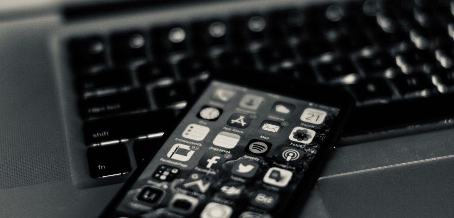 la comunicazione online nelle scuole